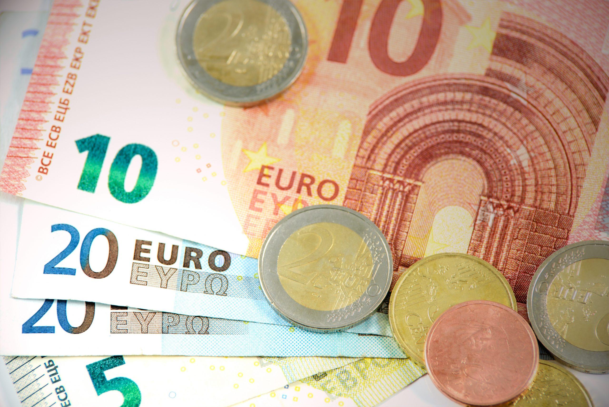 bank-notes-bills-bronze-cash-158776